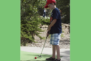 Miniature_Golf_Party_38